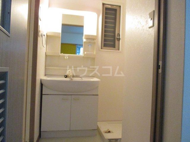サーディンⅠ 202号室の洗面所