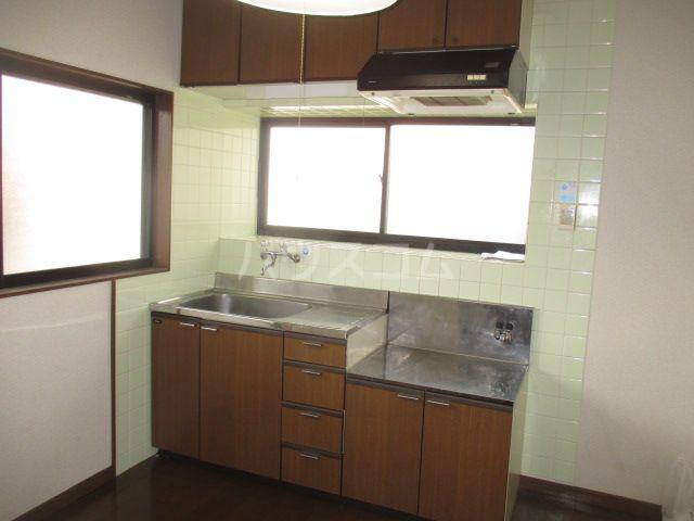 リバーランド箱崎 201号室のキッチン