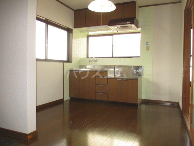 リバーランド箱崎 201号室のリビング