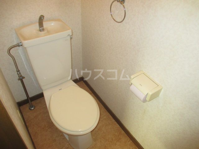 リバーランド箱崎 201号室のトイレ