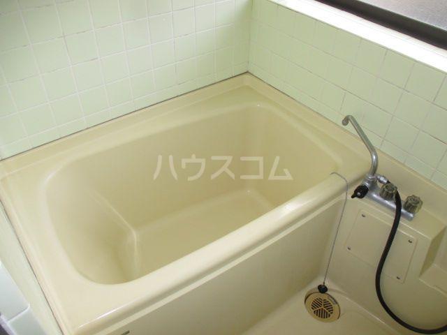 リバーランド箱崎 201号室の風呂