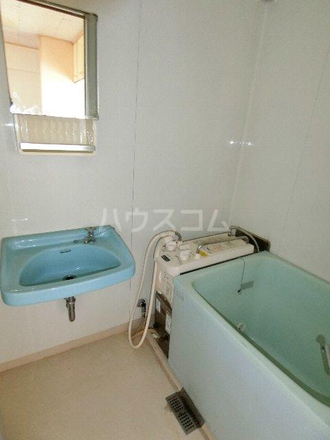 東林寺コーポ 402号室の風呂