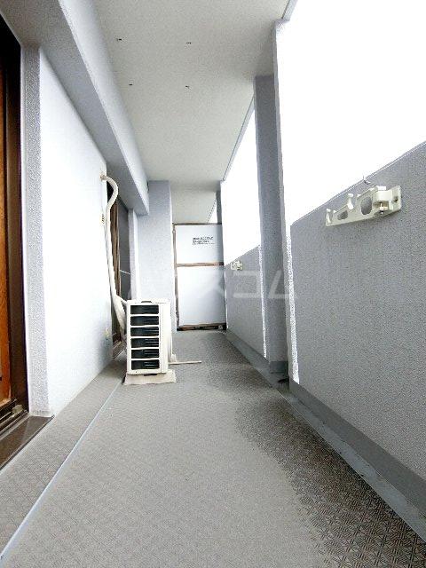 コスモテール吉塚 1004号室のバルコニー