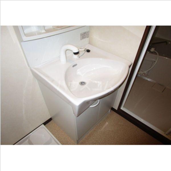 アヴァンティ千代 601号室の洗面所