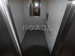 アベニールKAI 301号室の玄関