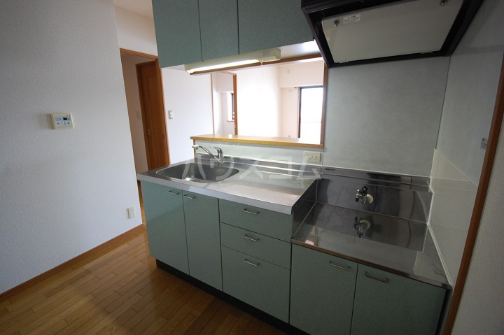 アベニールKAI 301号室のキッチン