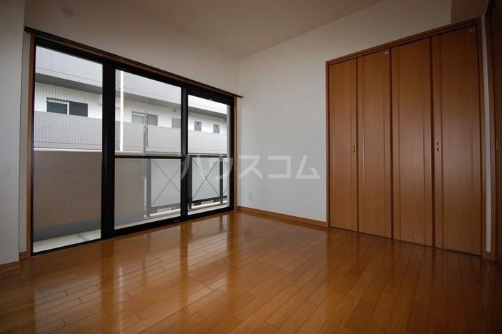 アベニールKAI 301号室の居室