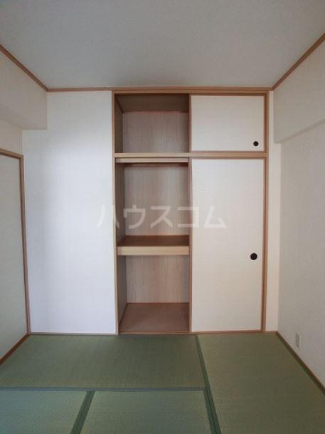 ラフィーネ篠栗 302号室の収納