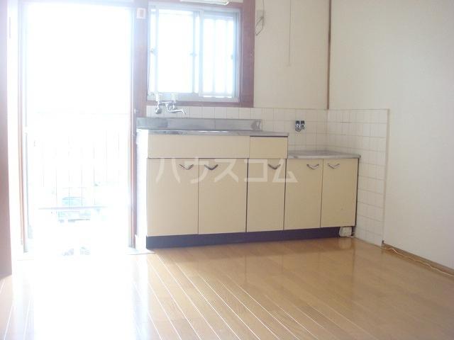 コーポやよい 102号室のキッチン