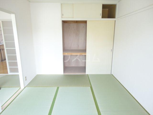 奥田ハイツ 202号室のリビング
