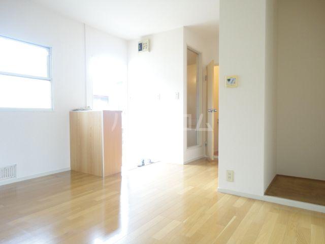 奥田ハイツ 203号室の玄関