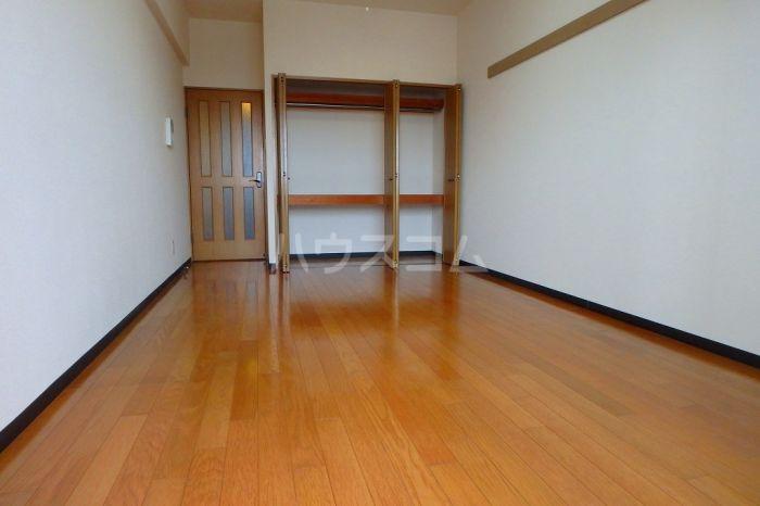 シティスクエア福岡 305号室のリビング