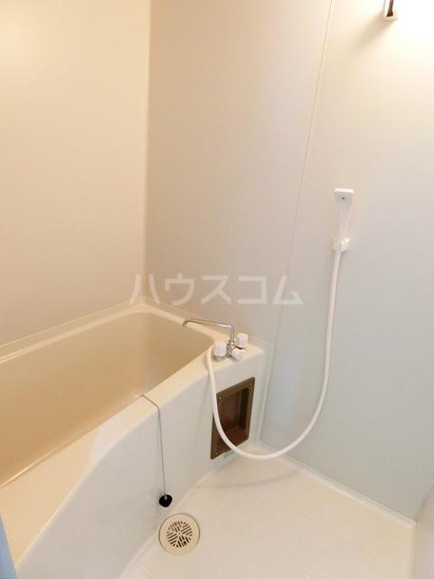 グローリアス箱崎 502号室の風呂