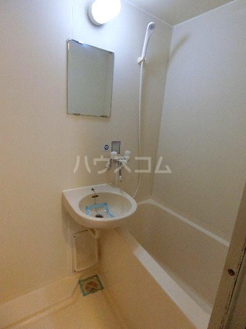 フルブルーム 302号室の風呂