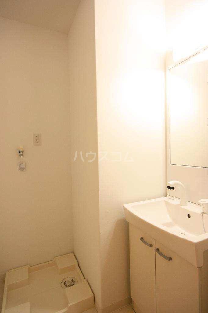 バーンメアオ シカリオン 102号室の洗面所