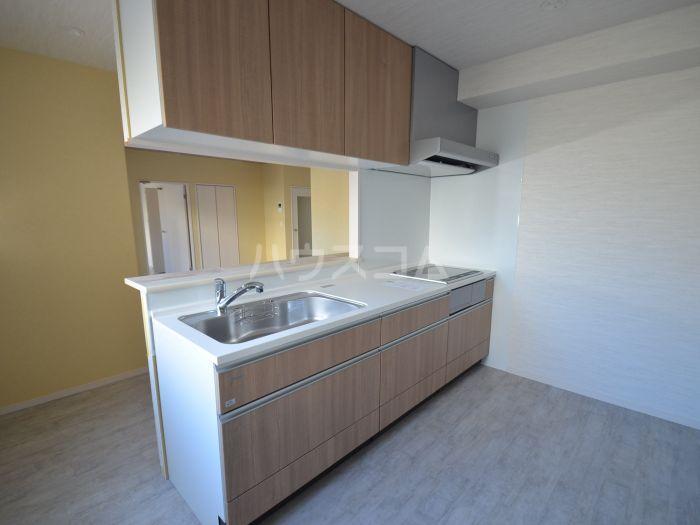 グリニッジ コート 201号室のキッチン