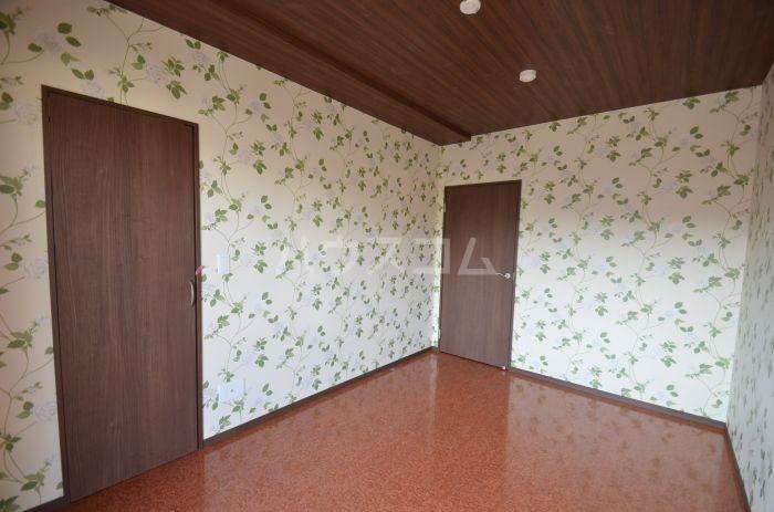 グリニッジ コート 303号室のベッドルーム