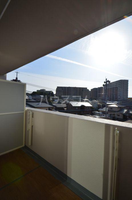グリニッジ コート 401号室のバルコニー