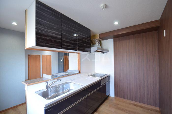 グリニッジ コート 401号室のキッチン