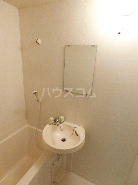 千代ビル 403号室の洗面所