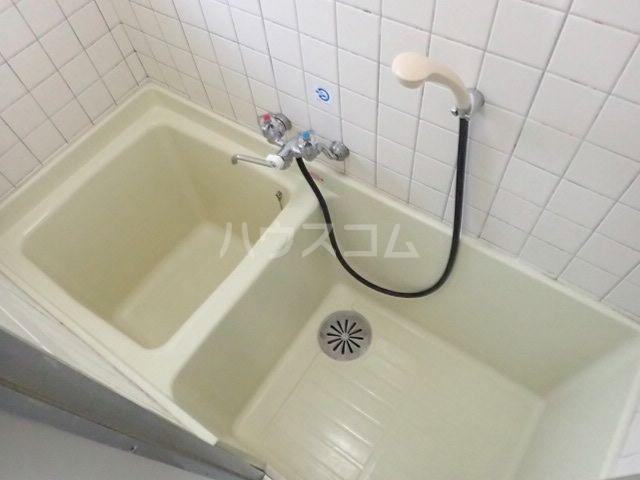 プラザ九大前Ⅱ 106号室の風呂