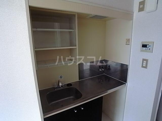 プラザ九大前Ⅱ 201号室のキッチン