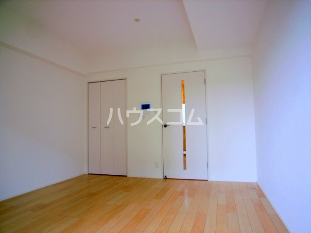 サヴォイ箱崎セントリシティ 705号室のリビング