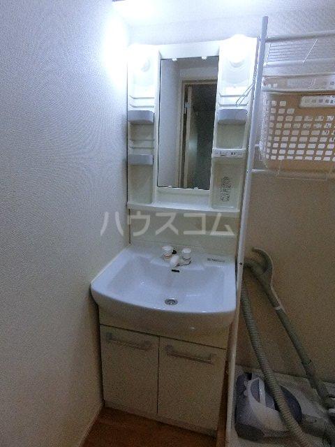 メゾン土井B 205号室の洗面所