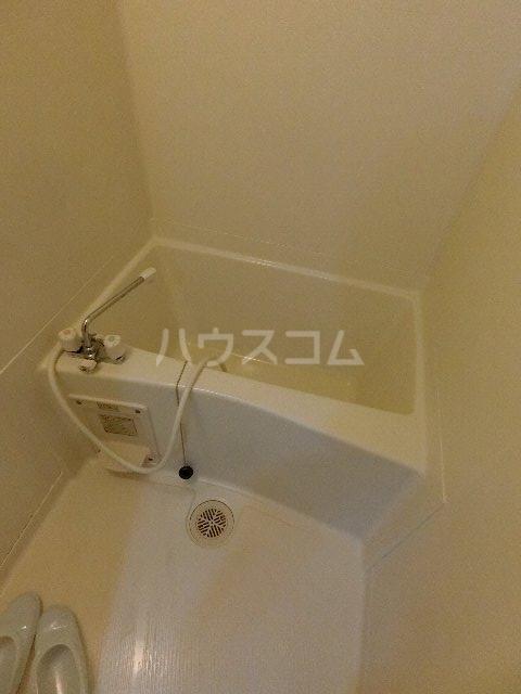 メゾン土井B 205号室の風呂