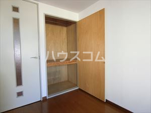 アヴァンテプラザ 302号室の収納