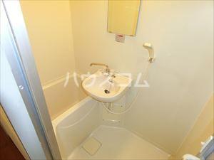 アヴァンテプラザ 302号室の洗面所