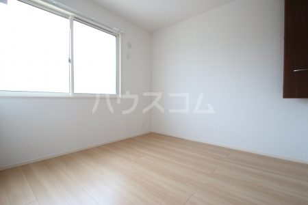 D-roomS・K A棟 205号室のベッドルーム
