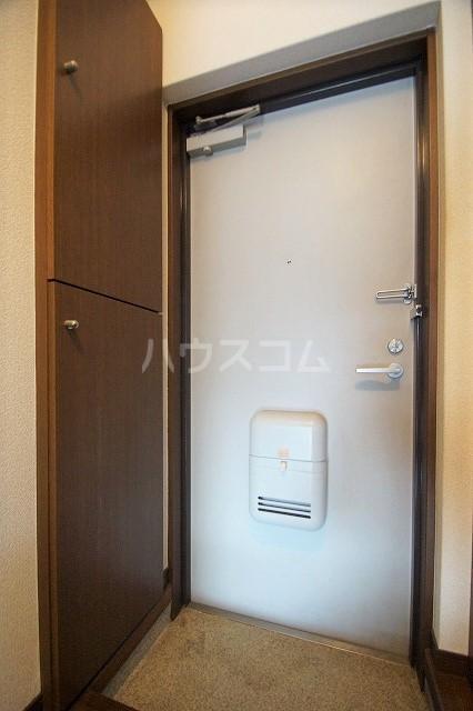 シャトー'98 103号室の玄関