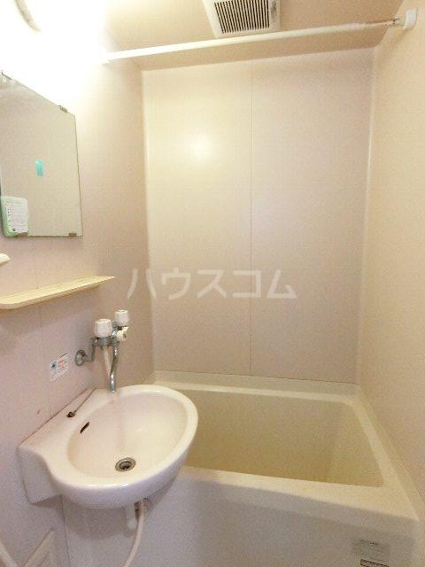 シャトー'98 405号室の風呂