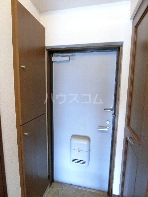 シャトー'98 405号室の玄関