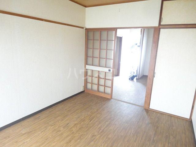 ハイツ坂本 202号室のリビング