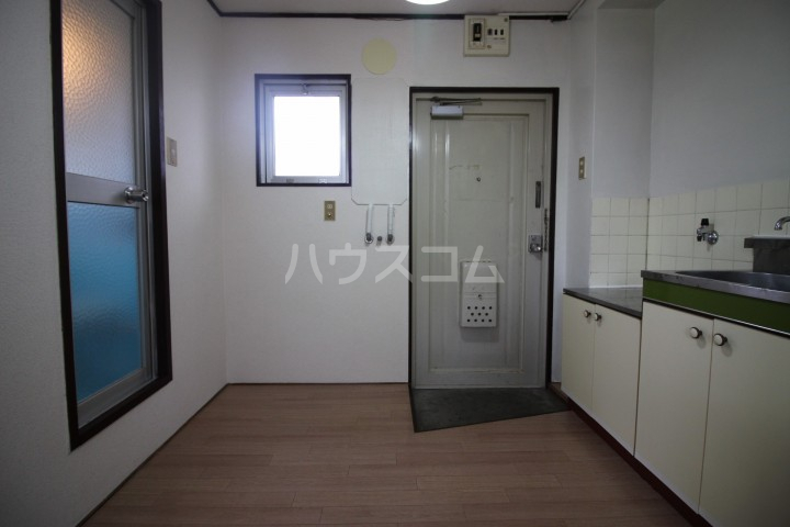 コーポグランド美野島 403号室の玄関