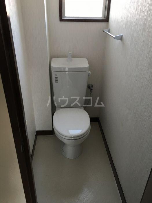 シャトレ若杉 301号室のトイレ