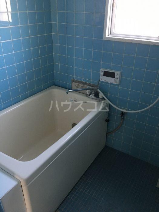 シャトレ若杉 301号室の風呂