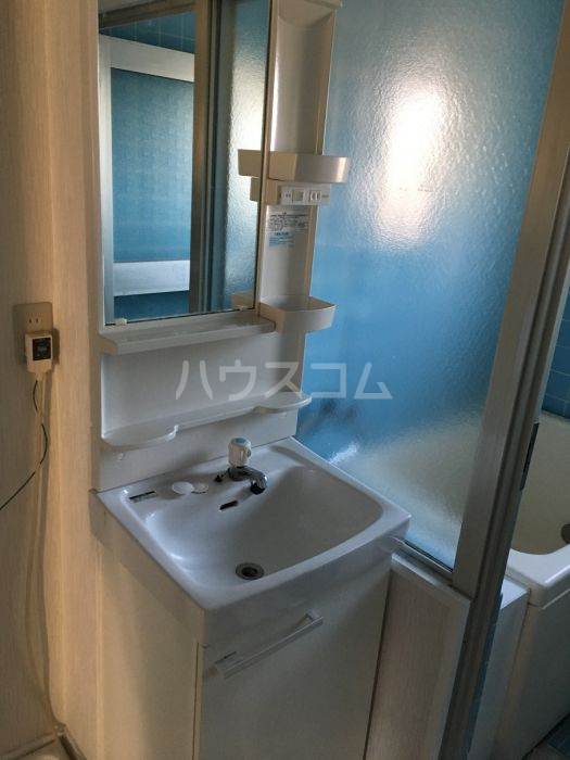 シャトレ若杉 301号室の洗面所