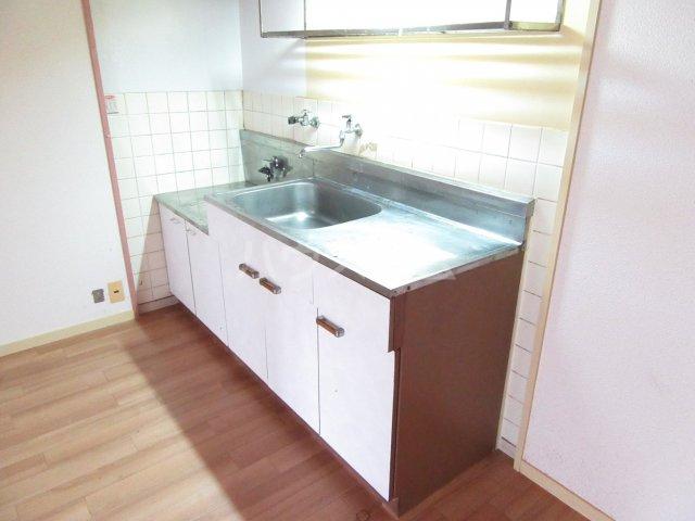 大産篠栗マンション 205号室のキッチン