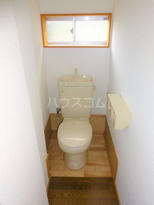 山方貸家のトイレ