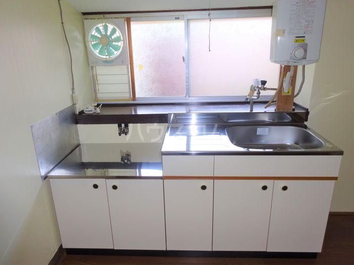 山方貸家のキッチン