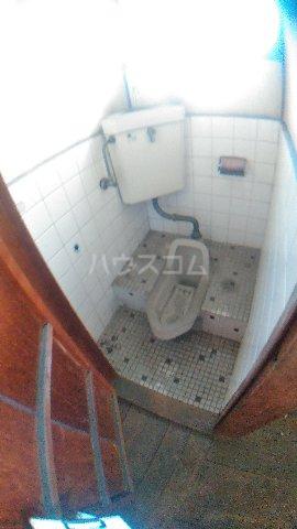 平野アパート 201号室のトイレ