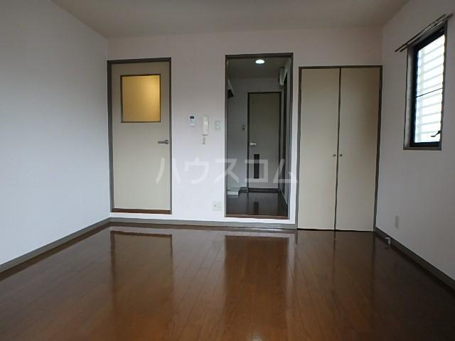 シバタビルディング 201号室のベッドルーム
