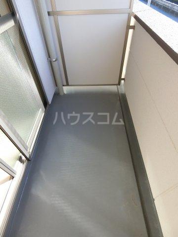 HIKARI 102号室のベッドルーム