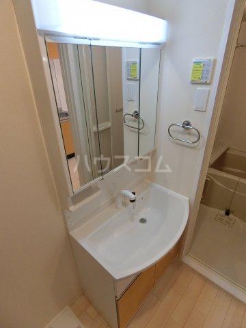 HIKARI 102号室のトイレ