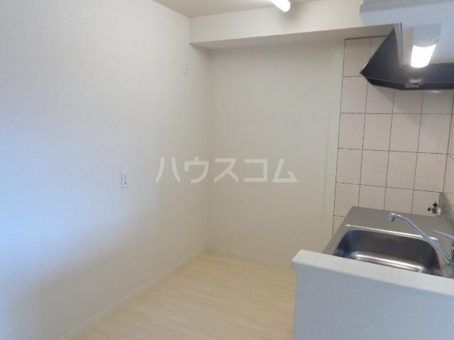 メゾンキャリコ 202号室のキッチン