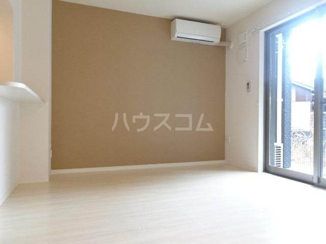 メゾンキャリコ 203号室の居室