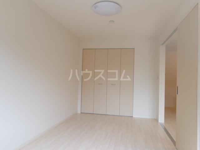 メゾンキャリコ 205号室の居室